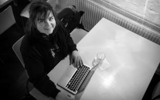 Maria Lindströn, lumilautataitajasta taiteenopettajaksi.