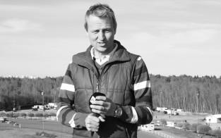 Riku Riihilahti aloitti työnsä media-alalla vuonna 1997 Ylen urheilutoimituksessa.